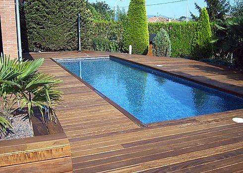 Piscinas en fibra de vidrio y otros materiales for Estructura de madera para piscina