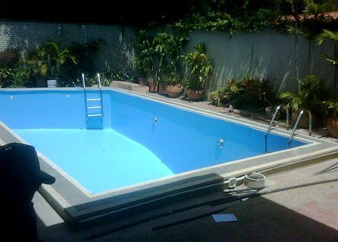 Piscinas total lujo y confort en piscinas jacuzzis for Como se construye una piscina de concreto