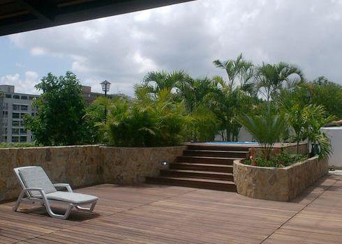 Deck de madera para terrazas - Jacuzzi en terraza ...